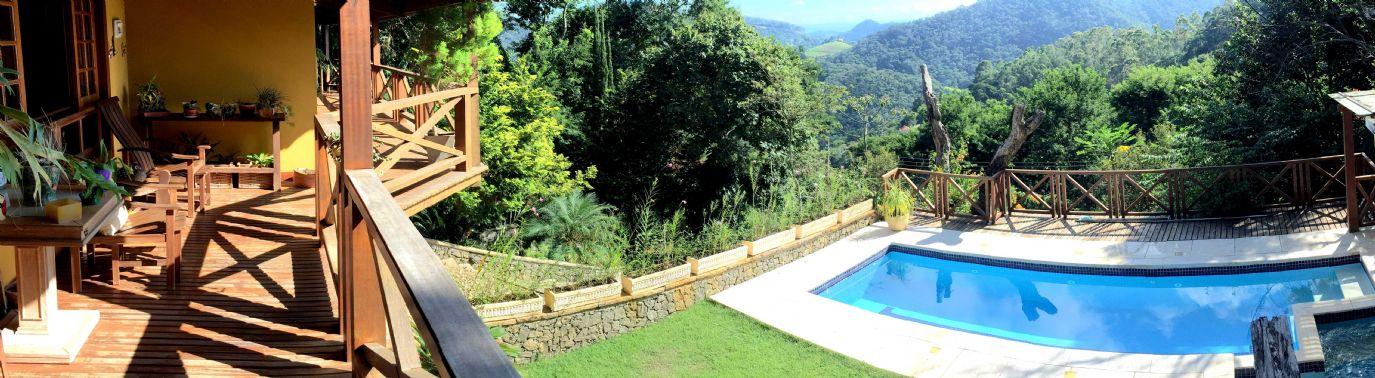Excelente casa pr�ximo � Itaipava com vista panor�mica.